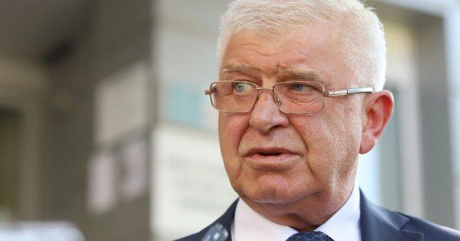 България Кирил Ананиев: Скоро ще влезем в театрите и оперите