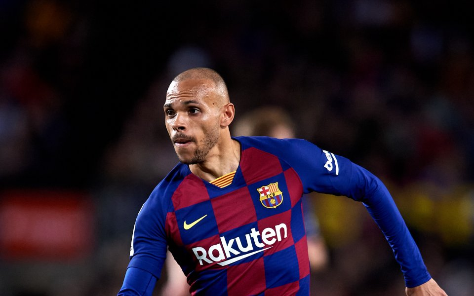Английските клубове проявяват интерес към нападателя на Барселона Мартин Брайтуайт,