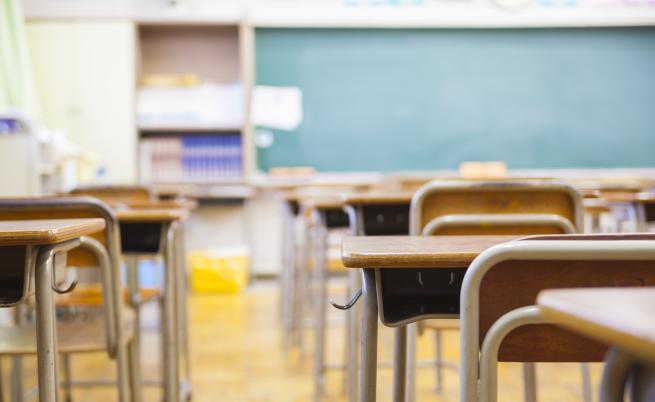Учители, полицаи и социални работници ще търсят незаписани ученици по домовете им