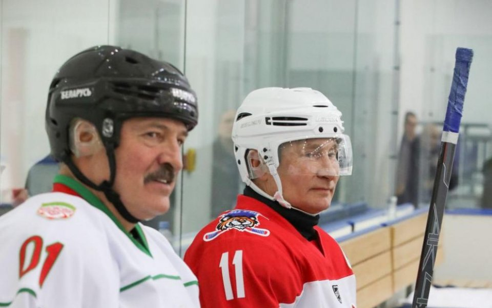 Коронавирусът ядоса президента на Беларус (ВИДЕО)