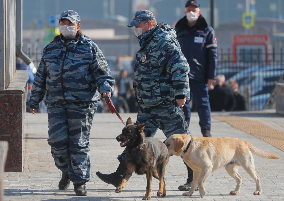 <p>Кметът разпореди изплащането на обезщетение на всички безработни. Общата сума на обезщетенията и новите плащания ще възлиза на 19,5 хиляди рубли на месец.</p>
