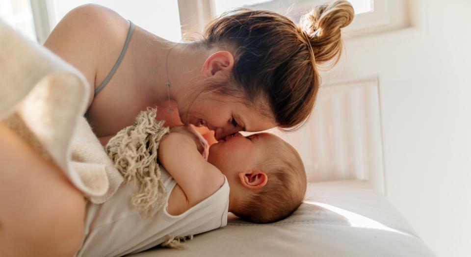 майка дете бебе