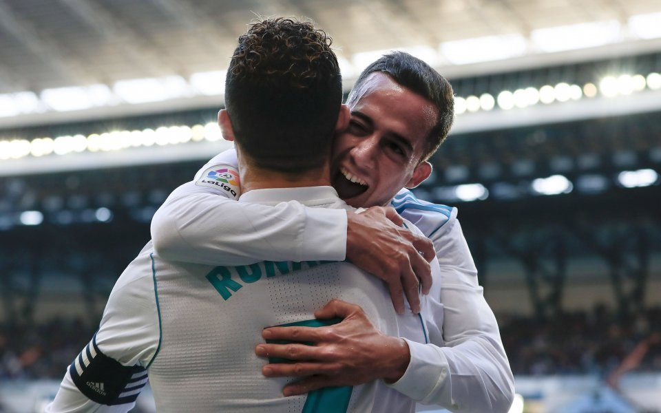 Футболистът на Реал Мадрид, Лукас Васкес, опитва да разнообрази времето,