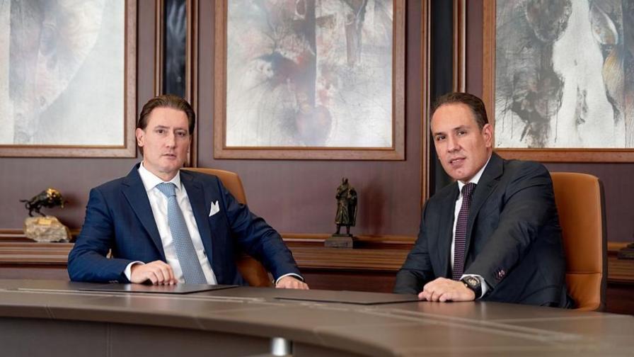 Кирил и Георги Домусчиеви