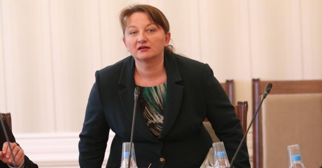 България Сачева: 4 700 са новите безработни само за един