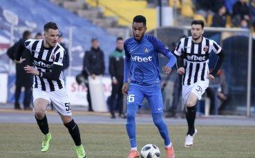 Защитник контрира Крушарски: Понякога тренираме по двама на стадиона