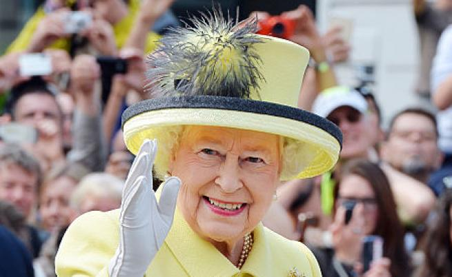 Мини военен парад за рождения ден на Елизабет II