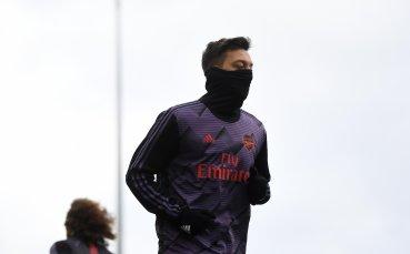 Йозил ще напусне Арсенал, но има условие
