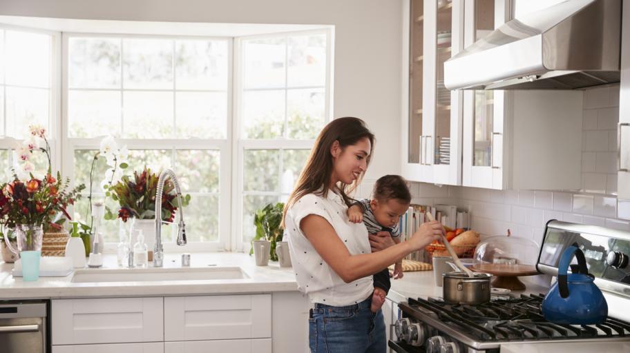 Майките, избиращи да останат вкъщи с децата