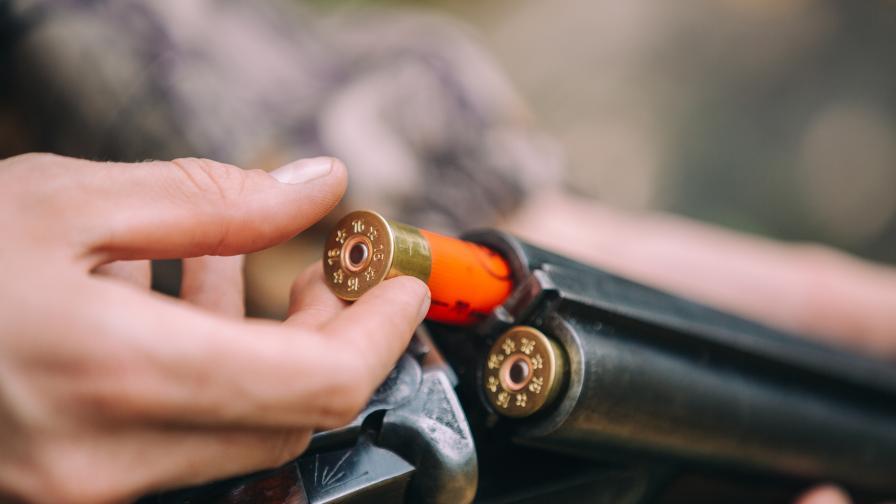 Тормоз в Царево - бизнесмен обвини съседа си, че стреля по цеха му