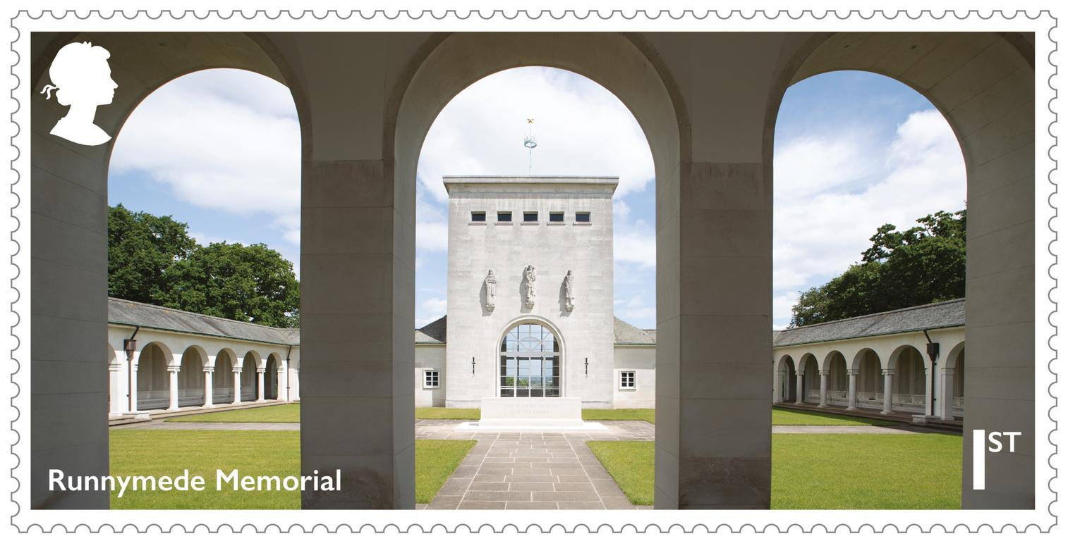 <p>Кралската поща показва пощенски марки, издадени в чест на 75-годишнината от края на Втората световна война в Лондон, Великобритания.</p>