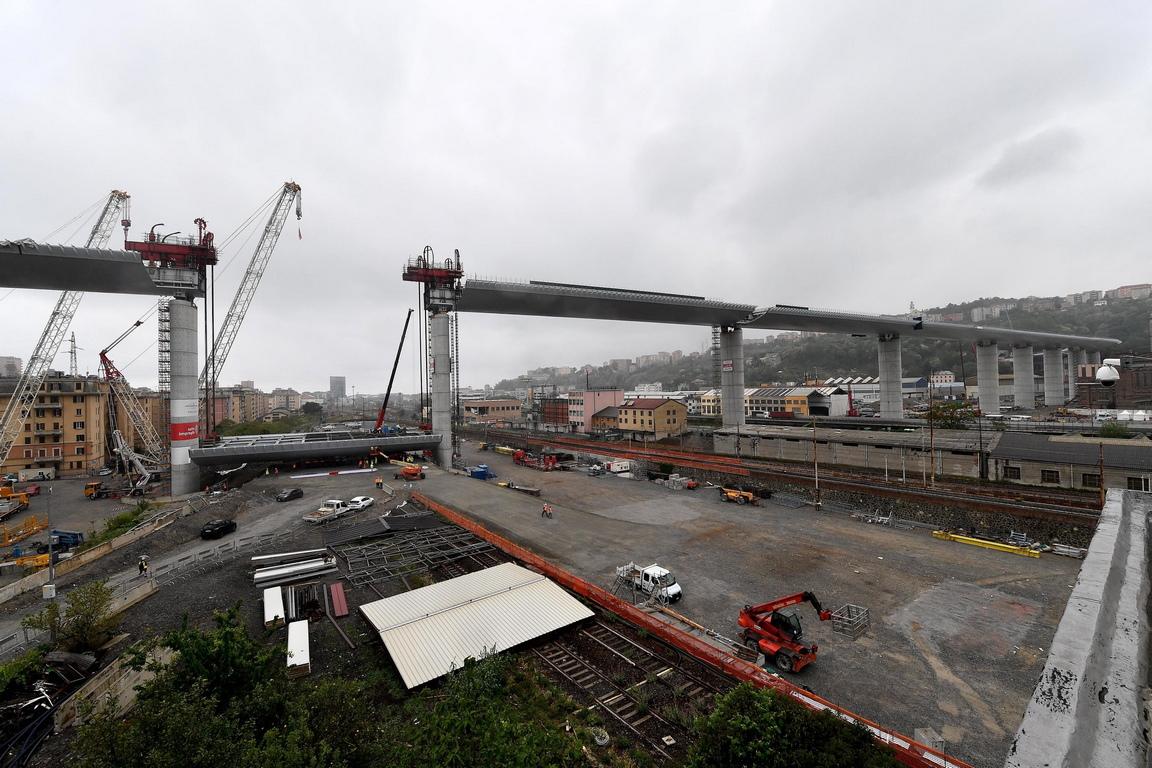 <p>Новият мост в Генуа</p>