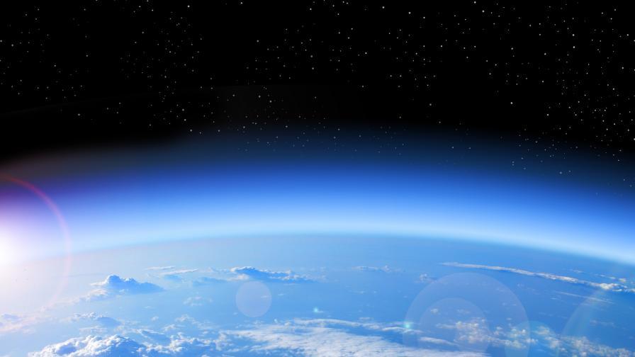 Рекордно голямата озонова дупка изчезна изведнъж
