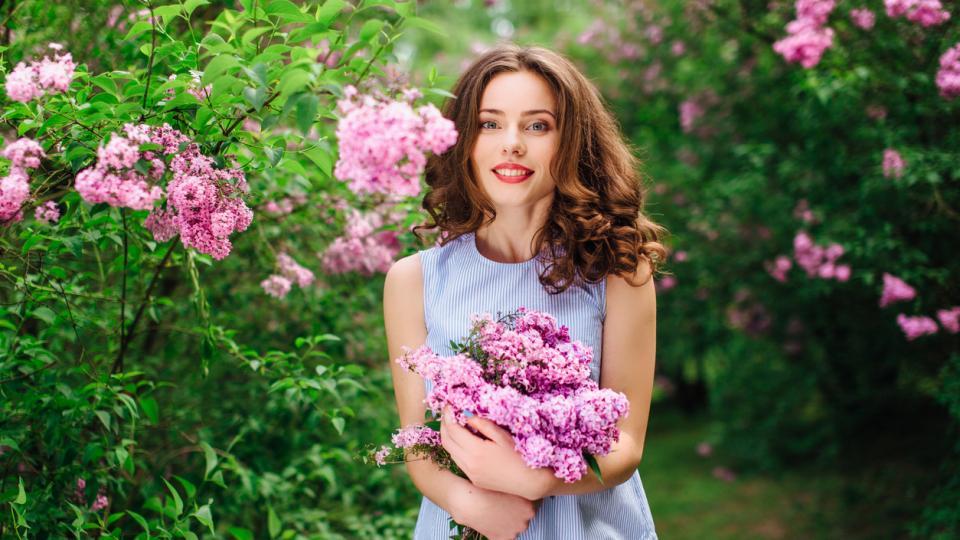 цветя жена пролет люляк природа