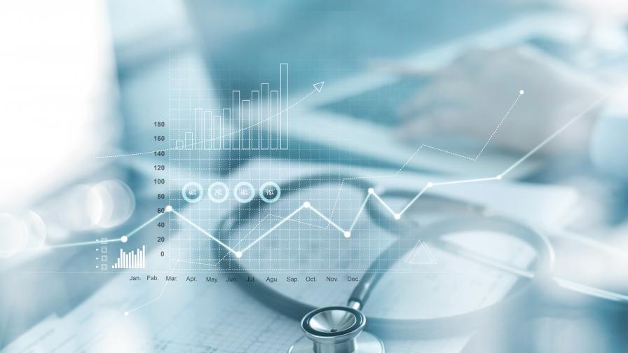 Лекар опрости дългове за над милион на пациентите си