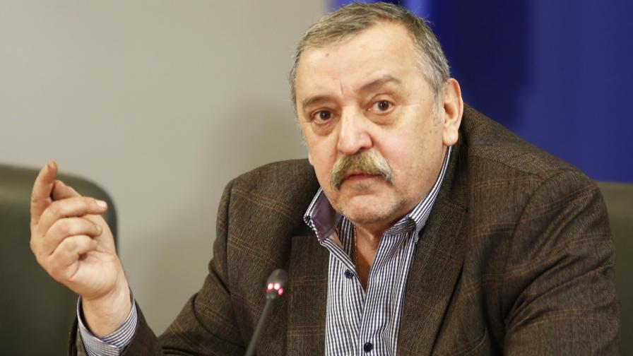 Кантарджиев: Скоро ще има ваксина срещу COVID-19, безплатна ще е у нас