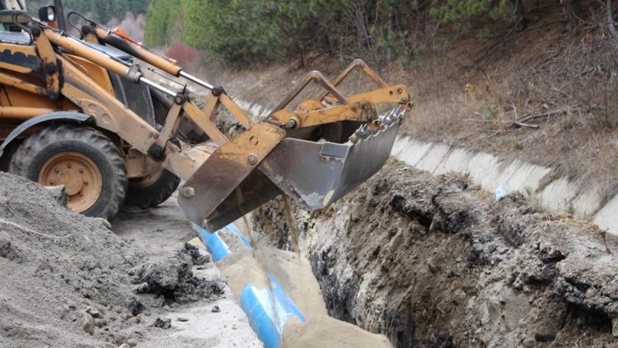 Борисов провери ремонтните дейности по ВиК мрежата в Перник