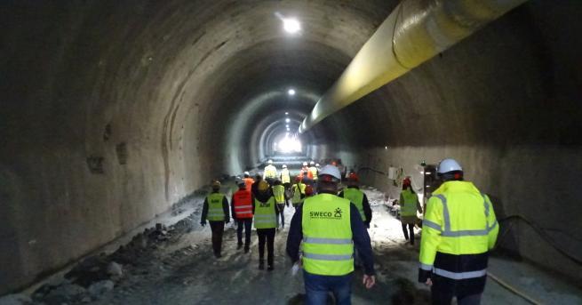 България Най-дългият автомобилен тунел у нас ще е готов догодина