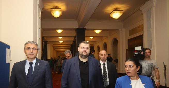 България Мустафа Карадайъ и Делян Пеевски поздравиха всички мюсюлмани за