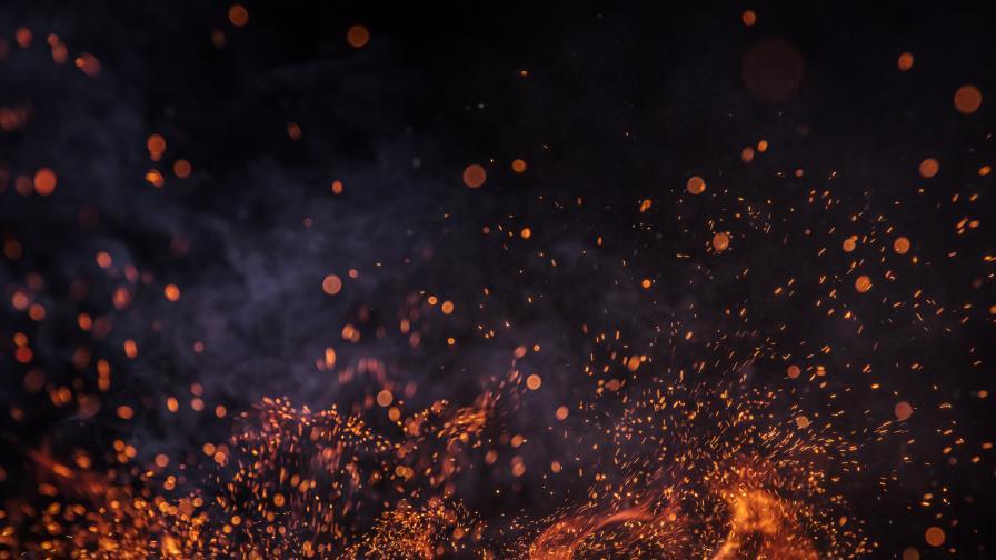 Пожарът край Лесово е преминал Тунджа