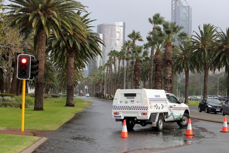 Австралия буря