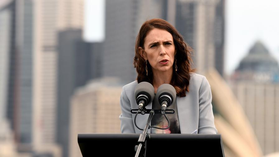 <p>Земетресение стресна премиера на Нова Зеландия по време на интервю</p>