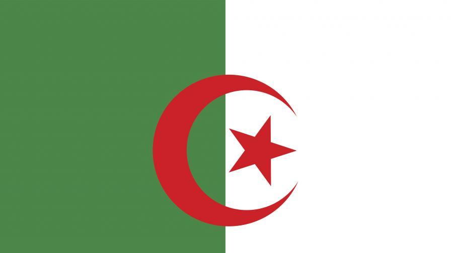 Алжир отзова посланика си във Франция