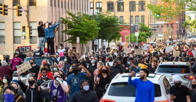 Технологии ИТ гигантите с послания против расизма Технологичният бранш възрази