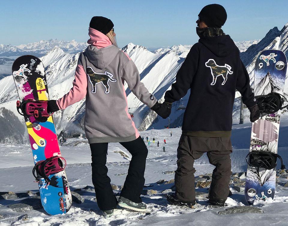 <p>През зимата Бети преподава уроци по сноуборд.</p>