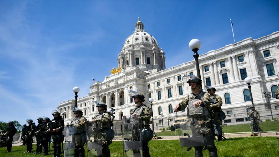 Над 4000 души задържани в САЩ по време на...