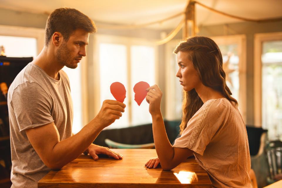 двойка любов раздяла