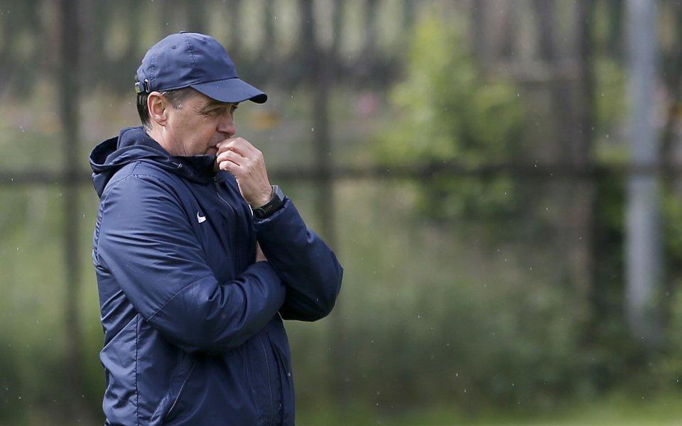 Треньорът на Левски - Петър Хубчев, има само една по-сериозна