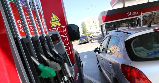 България Първите държавни бензиностанции могат да заработят през март 2021