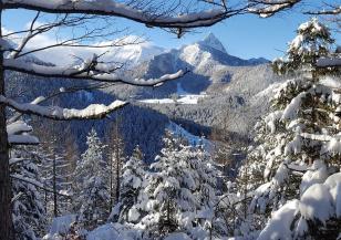 Обилен снеговалеж в полските Татри