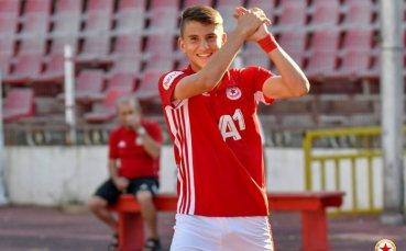 Това ли е най-големият талант на ЦСКА? Шеф на