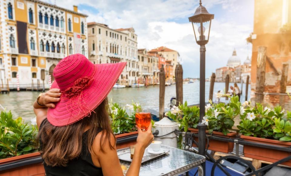 Италия Аперол шприц коктейл лято