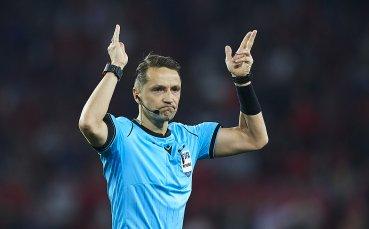 Рефер на ФИФА показа среден пръст на играч (ВИДЕО)