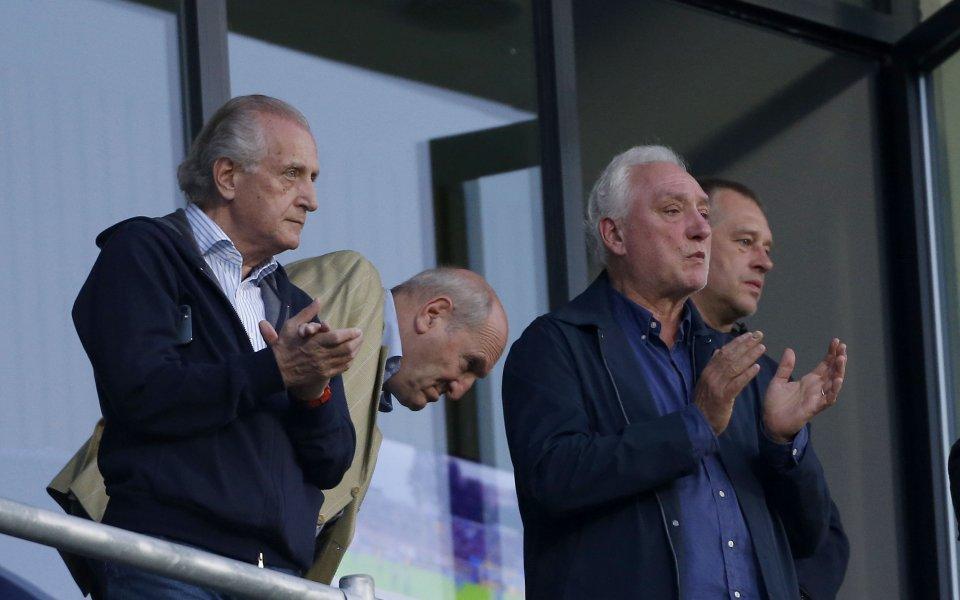 Бившият президент на Левски Томас Лафчис изгледа двубоя с Лудогорец