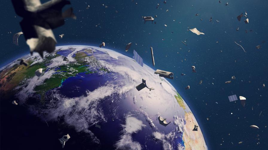 Япония разработва нов метод за унищожаване на космическите отпадъци