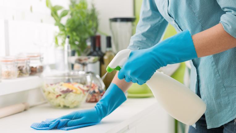 Как да дезинфекцираме правилно и лесно, за да предпазим дома си от бактериите
