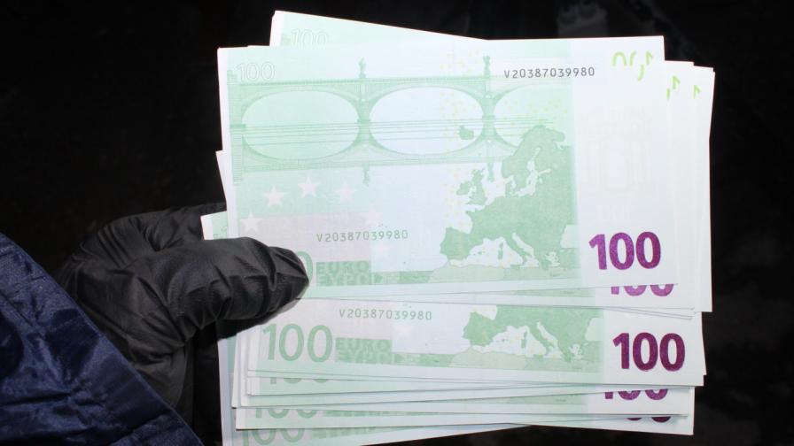Задържаха трима за разпространение на фалшиви банкноти в София