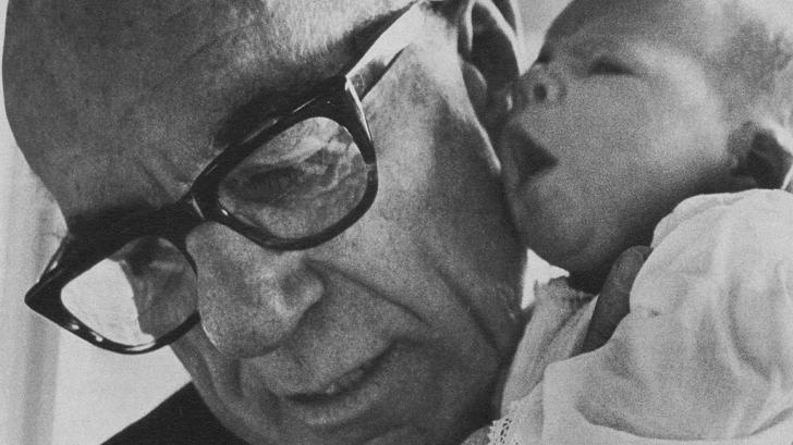 Безценните мисли на доктор Спок: спасение за всички родители по света