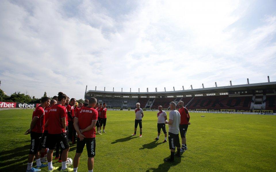 Втородивизионният Локомотив София постигна третата си победа от общо четири