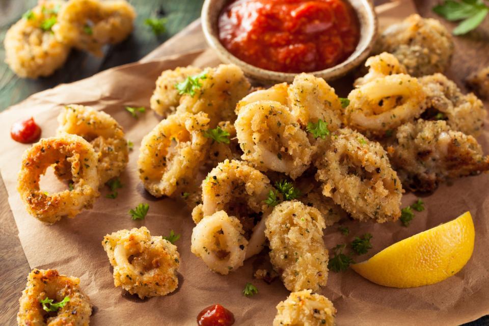панирани калмари морски дарове храна Испания тапас