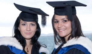 Получи престижна бакалавърска или магистърска диплома, от световно признат университет, учейки в България