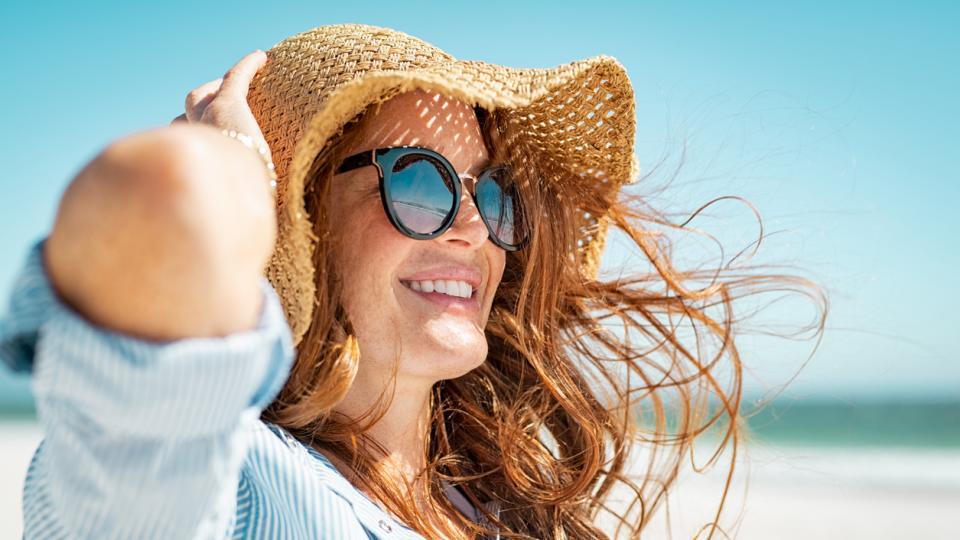 жена лято плаж шапка очила море