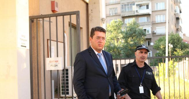 България Съветникът на президента - Пламен Узунов, е уличен в