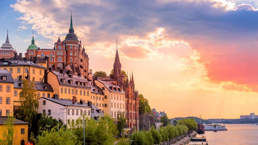 Защо Швеция избра различен път в битката с коронавируса