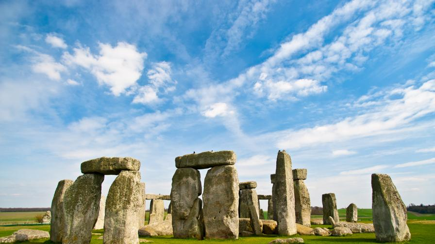 Археолози откриха гигански неолитен комплекс близо до Стоунхендж