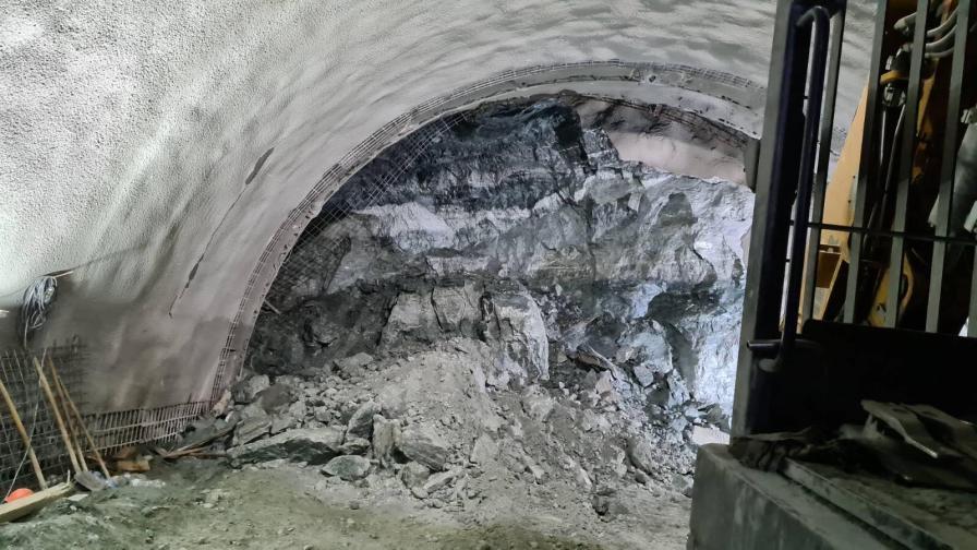 железница тунел срутване
